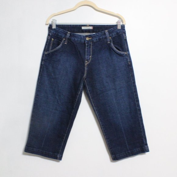 Levi's Denim Capri Short 545 Dark Blue Wash 8